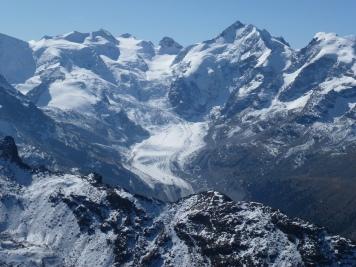 Blick auf den Morteratsch-Gletscher im Kanton Graubünden