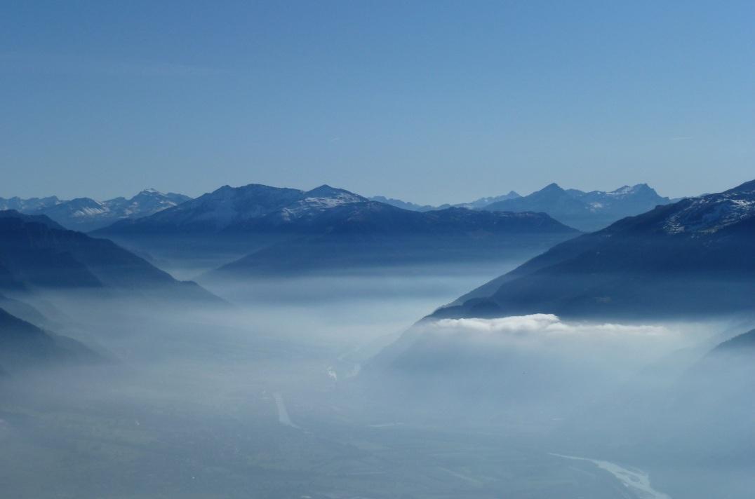 Nebelmeer über dem Rheintal.