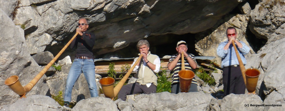 Alphornkonzert auf der Glärnischhütte.