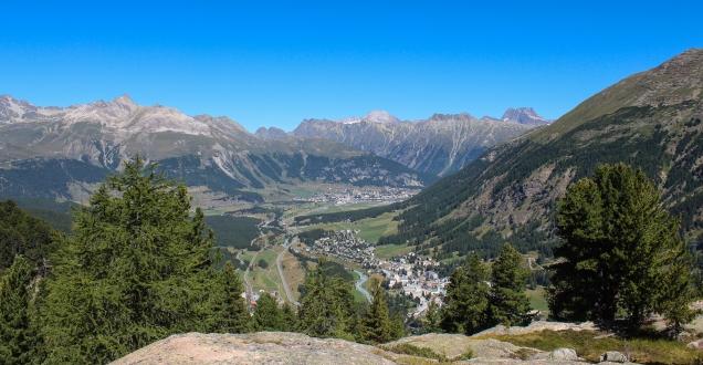 Blick vom Muot Dadains auf Pontreinsa (Bild: bergwelt.me).