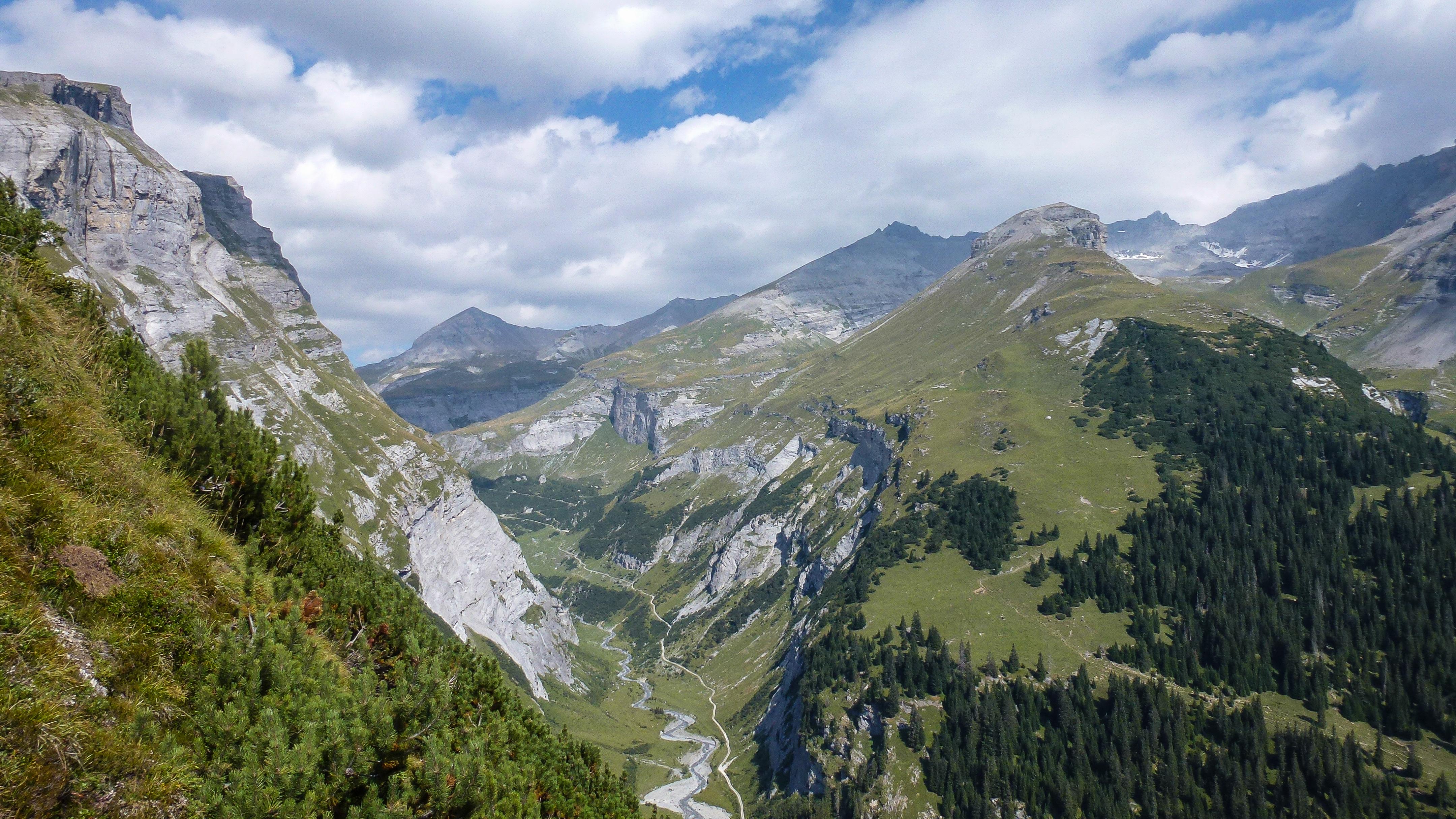 Klettersteig Graubünden : Der kletterseig pinut u2013 eine via ferrata hoch über flims bergwelt