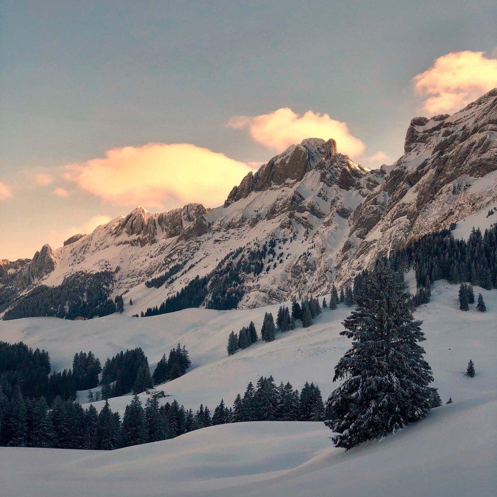 Sonnenaufgang im winterlichen Alpstein